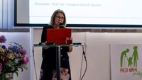 "Prof. Dr. Irmgard Schroll-Decker von der OTH Regensburg auf der internationalen Prager Konferenz des Projekts ""Innovative education in the field of Intergenerational cooperation support (IEICS)"", wo sie nach der Projektpräsentation auch einen Vortrag hielt."